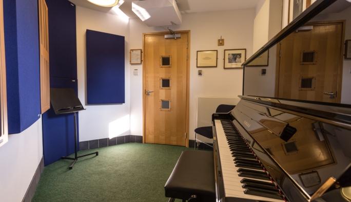 McKinnon Practise Room, Jacqueline du Pré Music Building